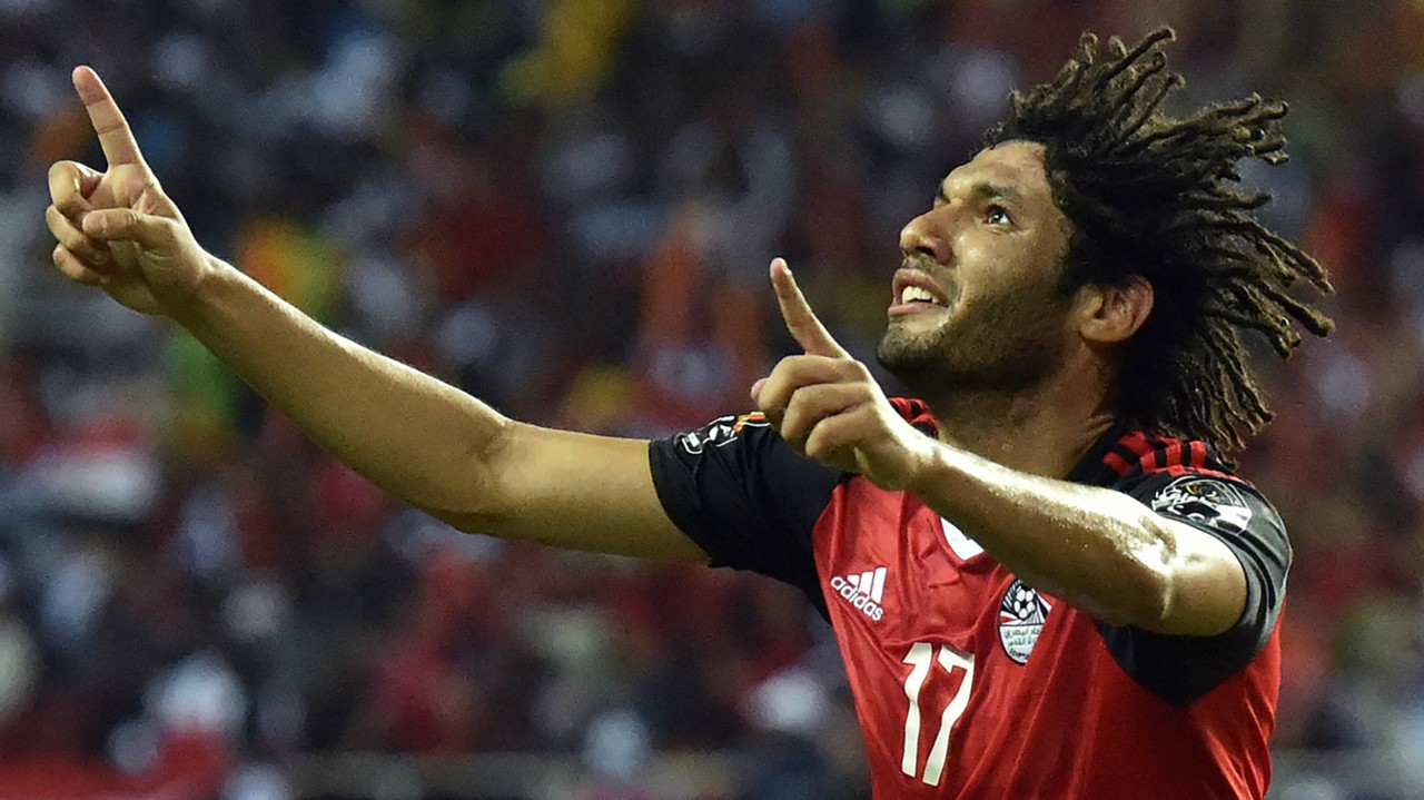 Arsenal midfielder Mohamed Elneny playing for Egypt